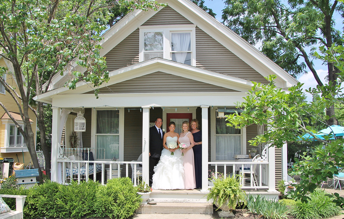 Set the scene for a beautiful day the vintage house is the perfect place to get ready for your wedding